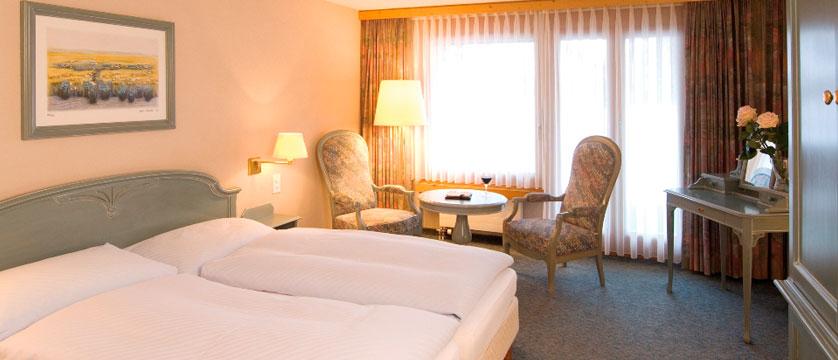 Hotel Silvretta Park, Klosters, Graubünden, Switzerland - double bedroom.jpg